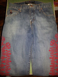 GORGEOUS BEADED GUESS JEANS
