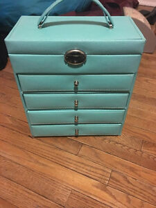 blue jewelry box - pick up only.