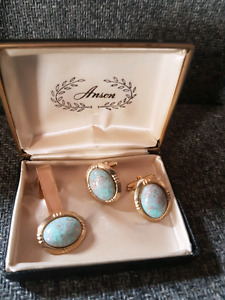 Vintage Turquoise Cuff Links & Tie Clip