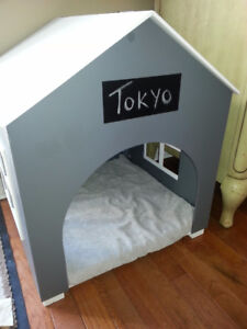 Dog or Cat bed/house