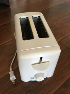 Traditions Electric 2-Slice Toaster