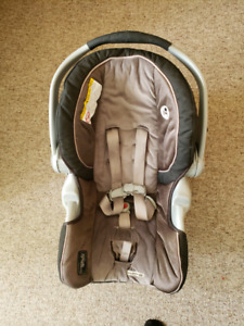 Graco snugride 35 car seat with extras