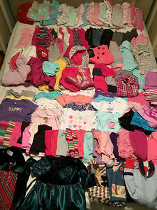 Lot de vêtements filles / Lot of girls clothes  110+ items