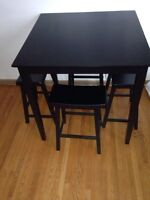 For sale dinning table for 250