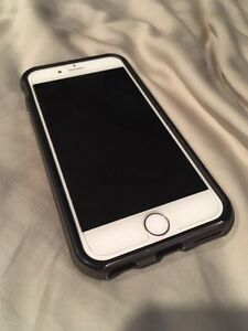 Mint Condition iPhone 6 - 128GB White/Silver