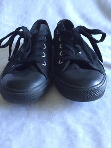 Women's All Star Converse! All Black Shoes Kawartha Lakes Peterborough Area image 3
