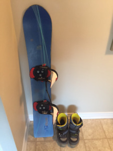 Vintage 152cm Burton snowboard, sz 13 Step-in boots and bindings