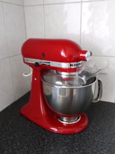 KitchenAid Stand Mixer (Empire red)