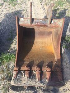 """CWS Q/C 30"""" Dig excavator bucket"""
