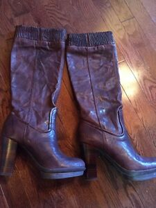 For Sale: Frye Women's Leather Boots Sz8 - Never Worn