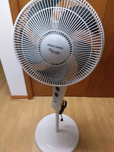 BLACK & DECKER Silent Force Fan