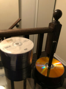 130 Blank DVD-R and White CD/DVD Paper Sleeves 400 Pieces Bundle