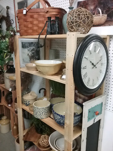 Antiques, Collectibles, nostalgia, decor + 1000 booths