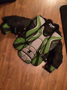 Reebok 6k youth goalie chest protector
