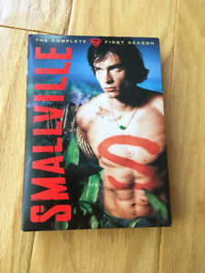 """Smallville"" (season 1) box set - like new (Superman / DC)"