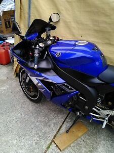 2 YAMAHA R1 2005 ALMOST COMPLETE WILL PART IT OUT 5000MI Windsor Region Ontario image 4