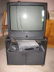 TV and VHS + Cabinet Kitchener / Waterloo Kitchener Area image 1
