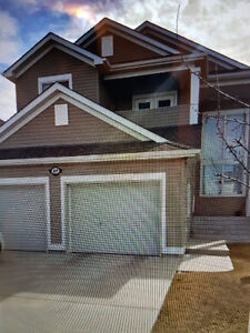 FULL WALK OUT HOME IN LAKE COMMUNITY (CORAL SPRINGS) CALGARY NE