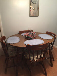 Wood Dining Room Table Set with 4 Chairs