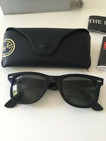 Brand new genuine Ray Ban Wayfarer sunglasses