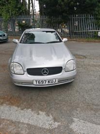 Mercedes benz SLK230