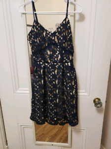 XS Navy Lace dress. Charlotte Russe. never been worn