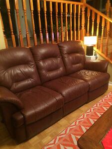 Sofa et fauteuils en cuir /