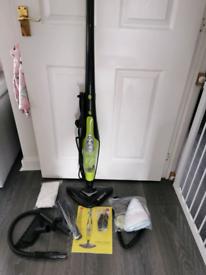 H20 steam mop