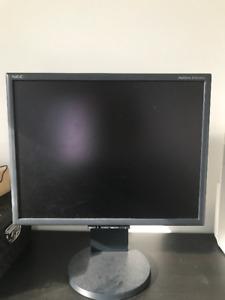 NEC MultiSync LCD2070NX monitor