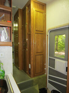 32' Glendale - Golden Falcon 5th Wheel - $10,200.00 Kawartha Lakes Peterborough Area image 6