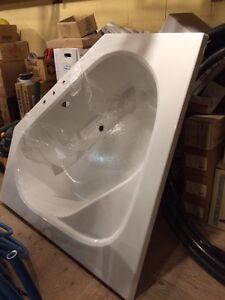 Mirolin Soho 1 corner soaker tub Peterborough Peterborough Area image 2