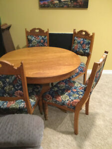 Solid Oak Antique Kitchen Table and 4 Chairs