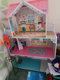 Lovely dolls house