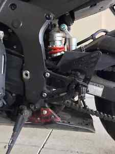 2006 Yamaha R6 perfect condition(Black and Red) Windsor Region Ontario image 7