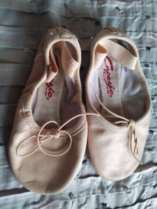 Ballet shoes toddler size 9w