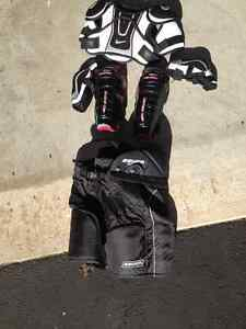 équipement hockey poue jeune