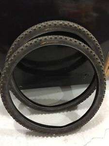 Kenda Klondike studded bicycle tires