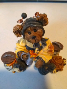 Boyd Bear and Friends - Bumble B. Bee