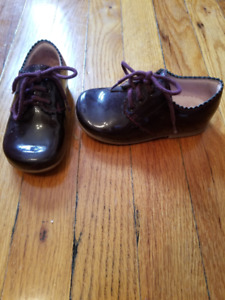 Chaussures en cuir vernis bordeaux Jacadi taille 23 eu