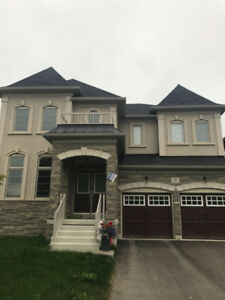 Detached - 5 Bedroom - Double Garage - 3100 SqFt.