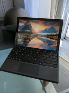 Microsoft Surface Pro 4 256GB SSD, 8GB RAM, i5-6300U 2.4GHz