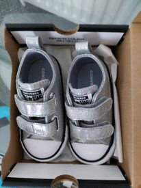 Brand new in box infant converse size 5