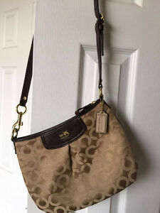 Coach Bag Over the Shoulder - Never been used