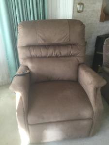 Power Lift/Recliner Chair
