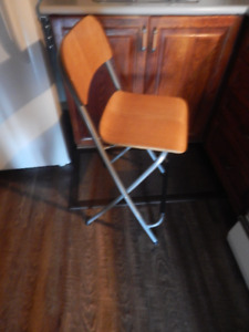 Fold-up Pub Height Chair