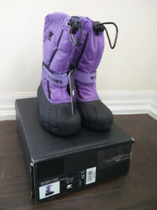 Brand New SOREL kid snow boots (Toddle Size 13)