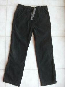 Pantalon marque ZARA pour un garçon de 7-8 ans