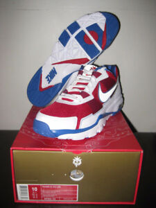 - Nike Air 'Manny Pacquiao' Trainer SC 2010 Low -