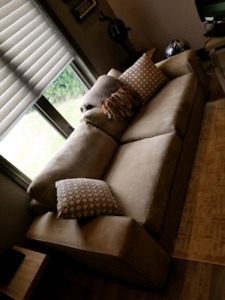 Couch High End 3 seater Excellent Condition