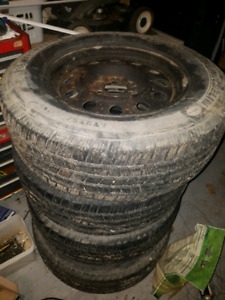 Really nice set of 4 rims and tires fit 6 bolt ford f150